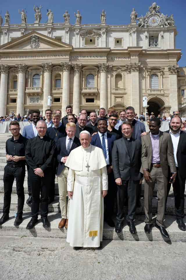 Met paus Franciscus op de foto  © Johannes 23 seminarie
