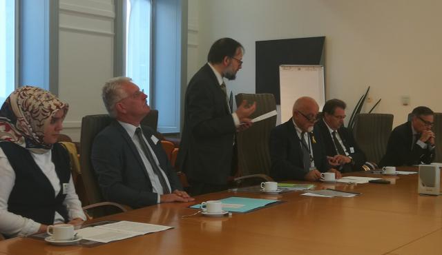 Voorzitter Jan Peumans van het Vlaamse Parlement ontvangt een delegatie van VILD © IPID