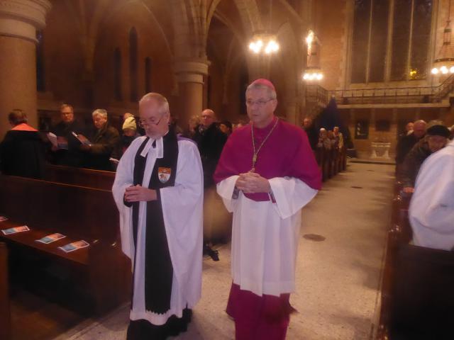 Andrew Wagstaff, chaplain van de anglicaans-episcopaalse Sint-Bonifatiusparochie in Antwerpen, en bisschop Johan Bonny  © Lieven Gorissen