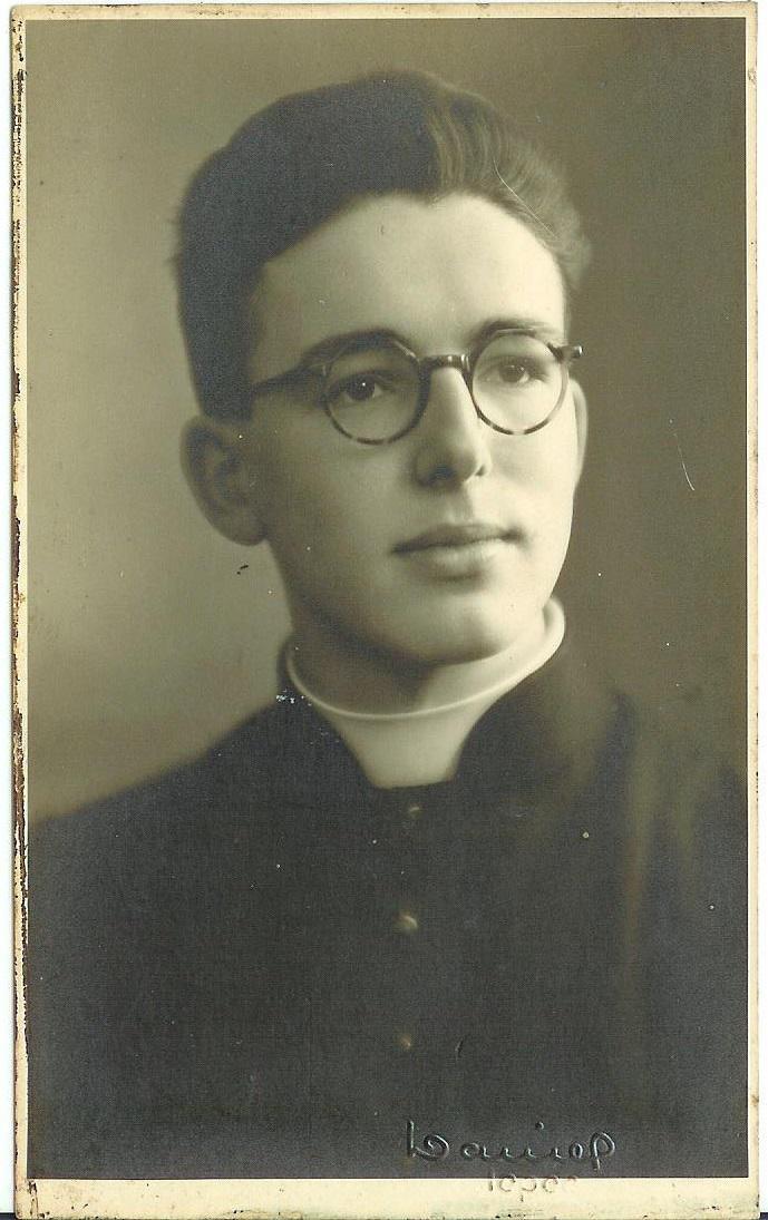 Cyriel Moeyaert bij zijn priesterwijding op 8 april 1945