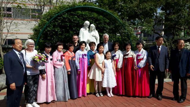 Bisschop Van Looy voor Missio in Korea in april 2017 © Missio