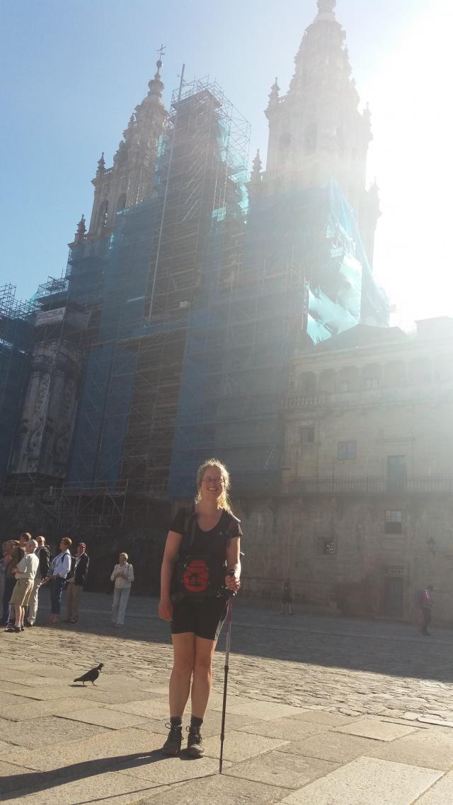 De kathedraal van Santiago die in de stellingen staat … Ze lijkt te zeggen: nooit is de weg voltooid… © Elisah Gommers