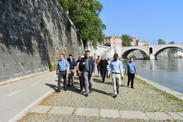 Ochtendwandeling langs de Tiber  © Johannes 23 seminarie