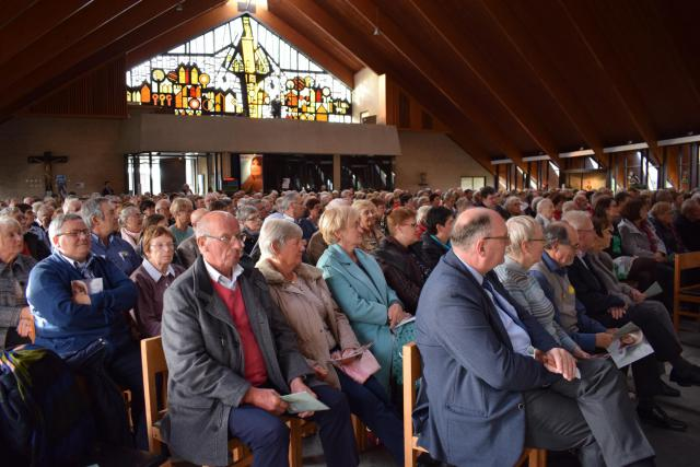 600 mensen vieren mee met Halewijn in het concert van Lisa del Bo
