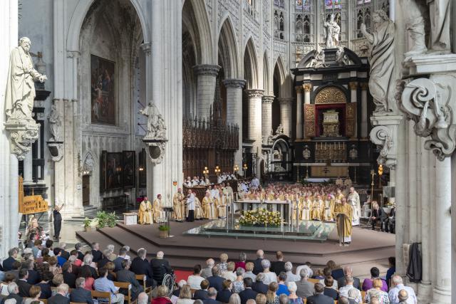 Mgr. Koen Vanhoutte werd bisschop gewijd in de Mechelse Sint-Romboutskathedraal. © Luc Hilderson