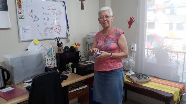 Katie Van Cauwelaert in haar bureau bij de Jezuïeten  © Mgr. Johan Bonny