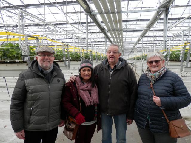 rondleiding aardbeienbedrijf © parochie in Assenede-Evergem-Zelzate