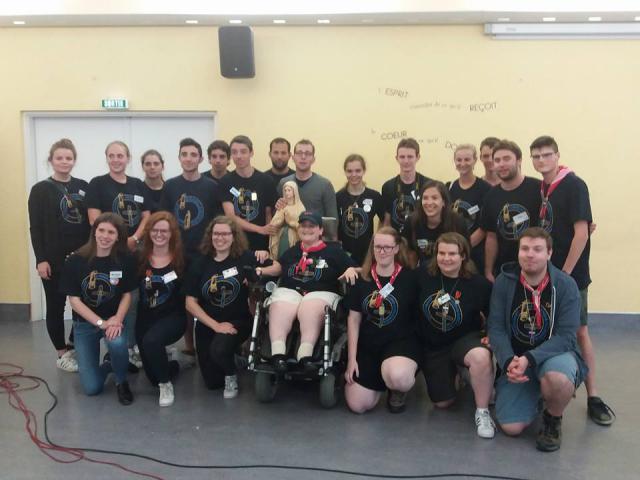 Al de jongeren van de Limburgse Diocesane Lourdesbedevaart samen!