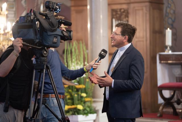 Interview Focus-WTV met bisschop Lode © Damiaan Dufaux