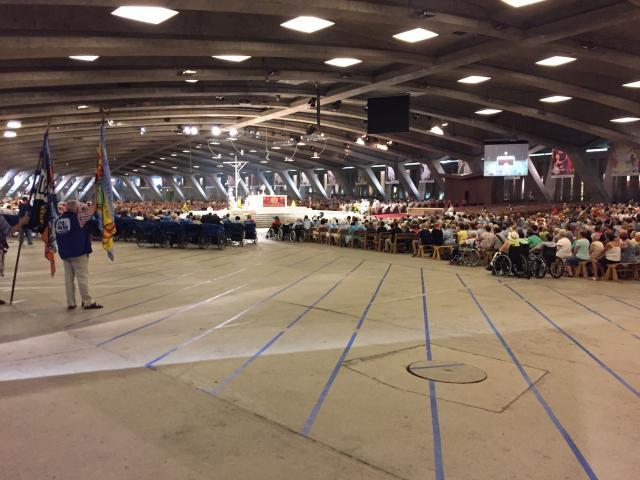Lourdesbedevaart: samen vieren we in een enorme zaal!