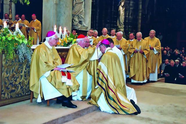 Bisschopswijding door kardinaal Danneels © Bisdom Gent