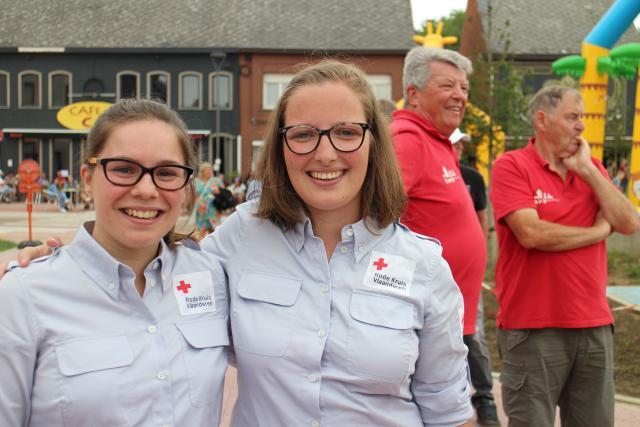 De mensen van het Rode Kruis stonden klaar om bij het minste accidentje hulp te bieden © RvH