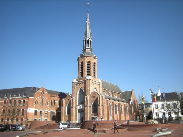 Sint-Pietersbanden, Markt 6, 3580 Beringen (c) L.R.