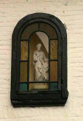 Begijnhof: Sint-Jozef op de gevel van de kapel