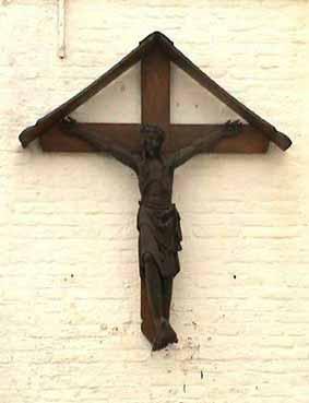 Begijnhof: Kruis op de gevel van de kapel