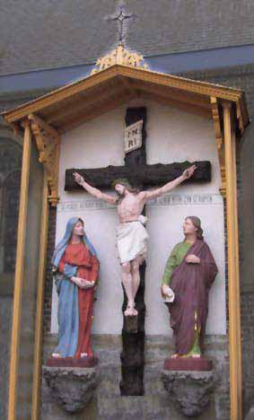 Edelareberg - Calvarie aan de Sint-Martinuskerk