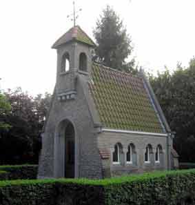 Fatima-kapel op de hoek van de Gentstraat en Doornikse Heerweg te Bevere.