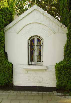 Georges Lobertstraat - Dit kapelletje werd ontworpen door architect Albert Mas  op vraag van de toenmalige gebuurtedeken