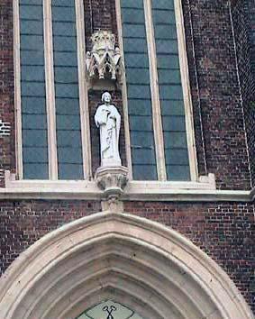 Kerkportaal Sint-Pietersbandenkerk Bevere