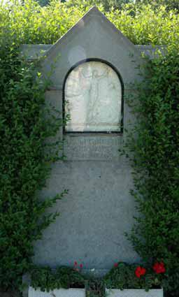Vlaamse Ardennendreef op voetweg naar kerk