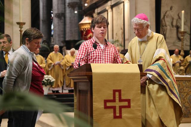 Voorbeden voor kerk en wereld © Bisdom Gent, foto: Kristof Ghyselinck