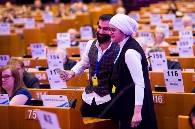 Achmad en Eva in het Europees parlement © Eva Rusho