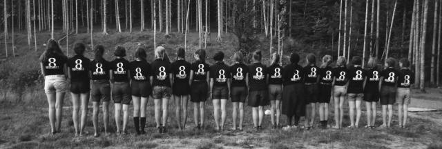 Alice en haar vriendinnen van de Europascouts vinden vriendschap en geloof bij elkaar.