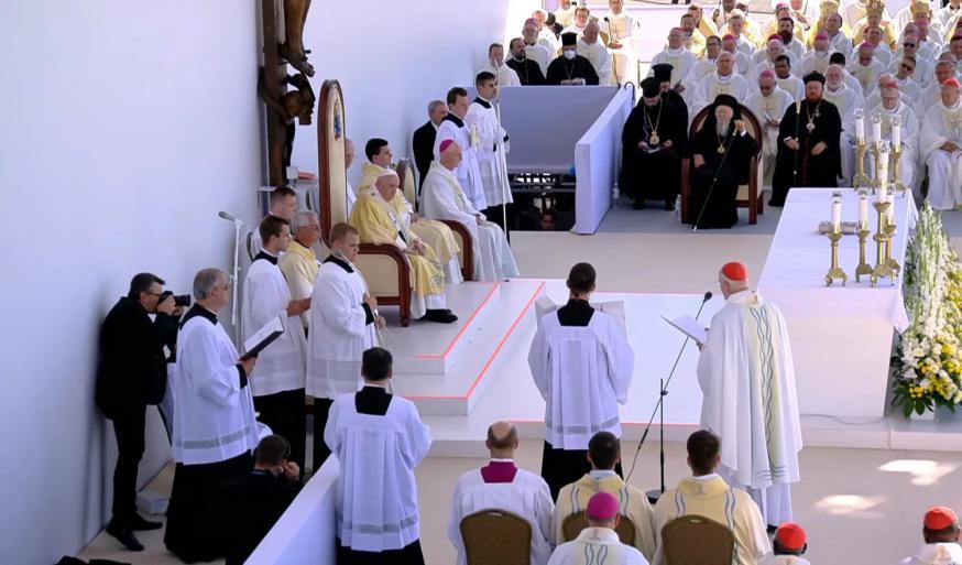 Kardinaal Erdo tijdens de openingstoespraak © IEC