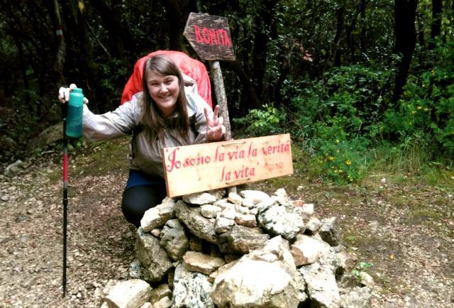 Babs Mertens bij kluizenarij La Romita in Italië. © Babs Mertens