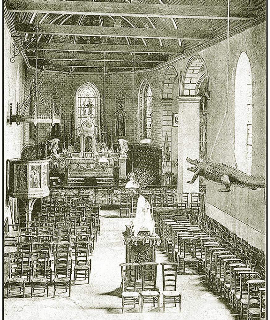 """Het Hoofdaltaar in 1860 en algemeen binnenzicht """"middenbeuk"""""""