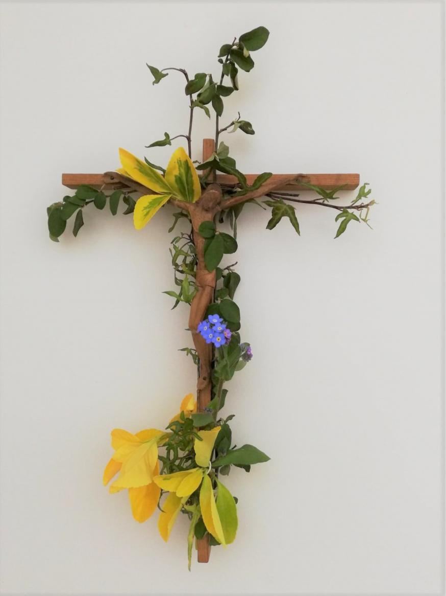 Help ons geloven dat wij over het graf heen in liefde met elkaar verbonden blijven.