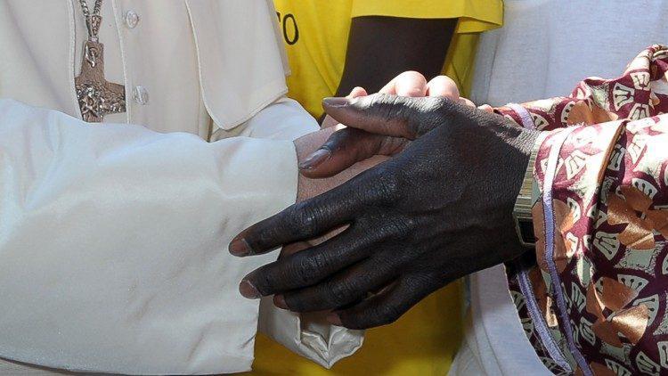 Paus Franciscus in zijn boodschap voor de Werelddag van Vluchtelingen en Migranten: 'Onze toekomst zal solidair én gekleurd zijn' © VaticanMedia