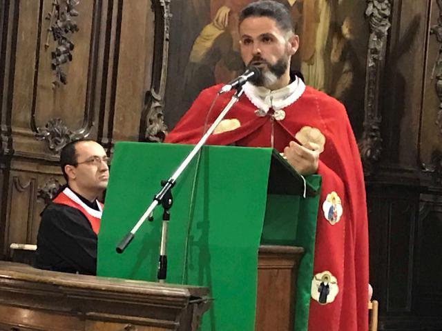 Afscheidnemend prior Charbel Eid met op de achtergrond zijn opvolger Georges Lichaa in Bois-Seigneur-Isaac © RR