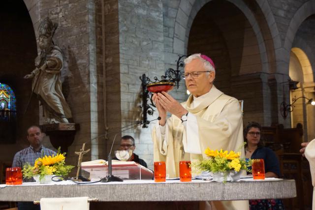 Eucharistieviering in de Sint-Martenkerk. © Ria Thaens
