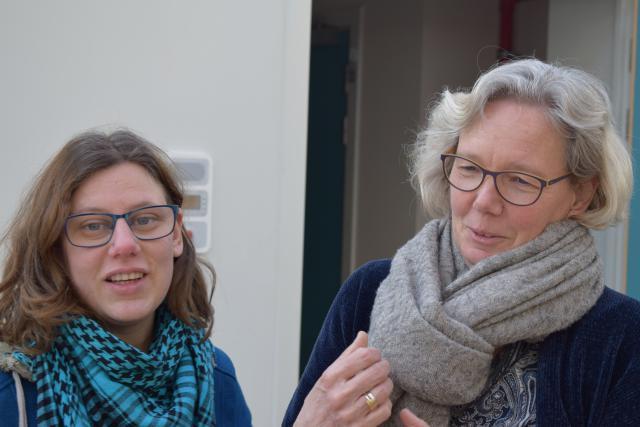 Sabine Vanquaethem met één van de gasten © Jan Demuynck