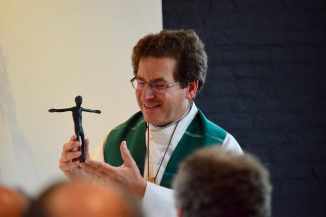 zegening van kruisje door bisschop Lode Aerts © Jan Demuynck