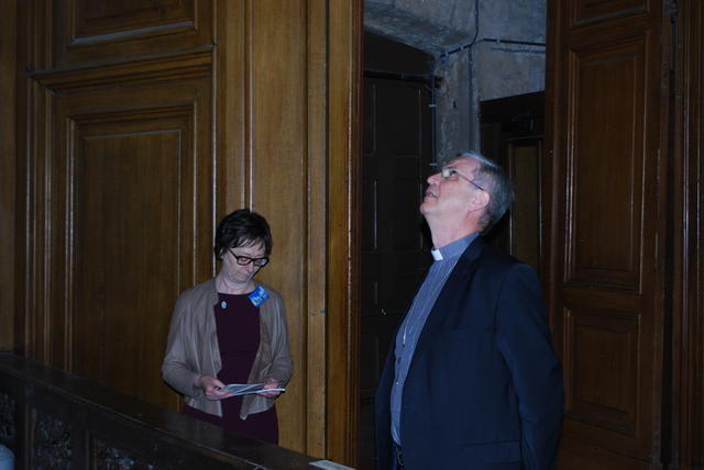 Nicole Claes en bisschop Johan Bonny