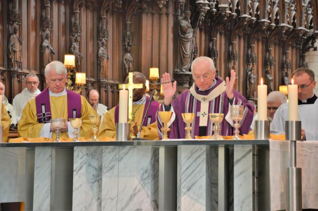Kardinaal De Kesel ging voor in de uitvaartdienst. © Hellen Mardaga
