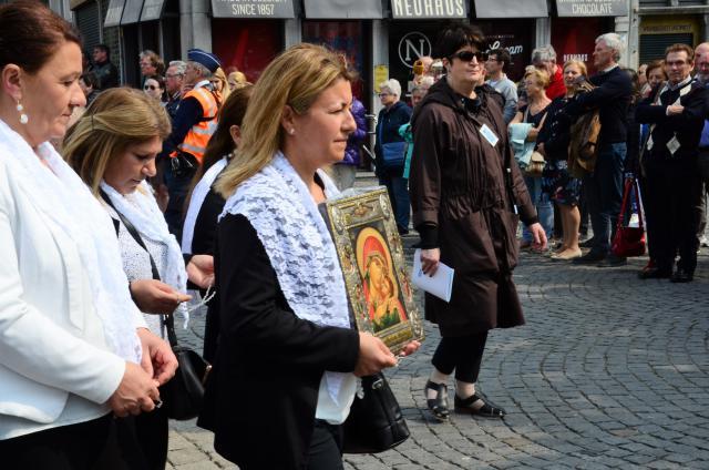 Mariabeeld van de Chaldeeuwe kerkgemeenschap (Mechelen) - Hanswijkprocessie © (c) Hellen Mardaga