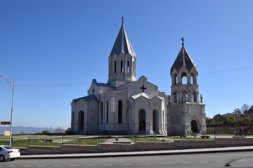 De 19de-eeuwse kathedraal van de Heilige Redder (Gazanchetsots) in Sjoesji voor de verwoesting © RR