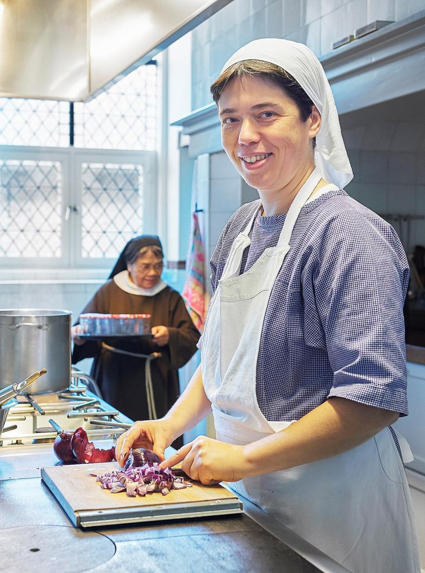 Zuster Emmanuel, claris in Megen, lanceerde de website 'De vegetarische zuster'. © De vegetarische zuster