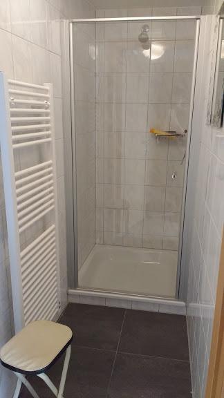 Je kan bij ons douchen.