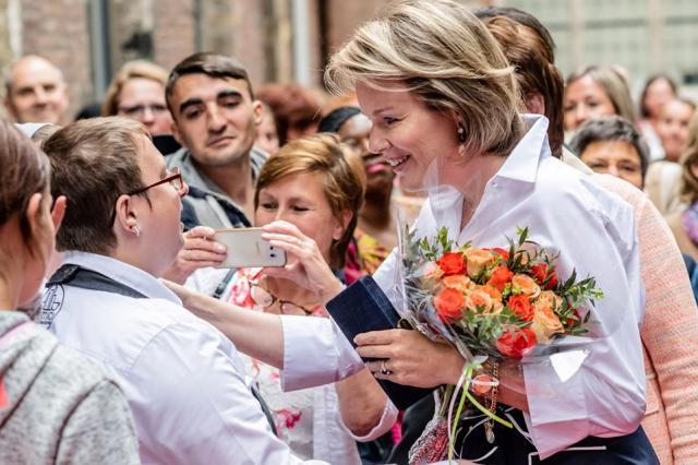 Koningin Mathilde kreeg een warm onthaal © Belgische Monarchie