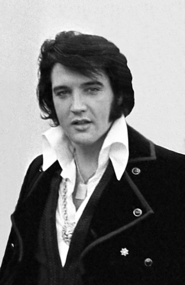 Elvis Presley in 1970. © Wikimedia Commons, By Ollie Atkins