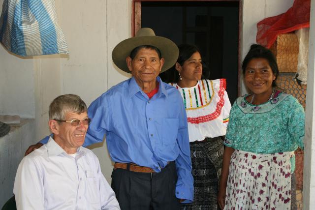 Eric Gruloos welkom in elk gezin in San Miguel  © Vrienden van Eric Gruloos