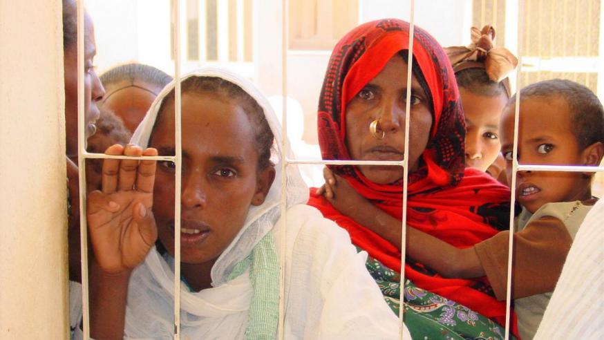 Eritrese vrouwen en kinderen in Asmara © Kerk in Nood