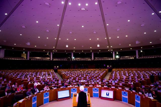 Eva getuigt voor het Europees parlement © Eva Rusho