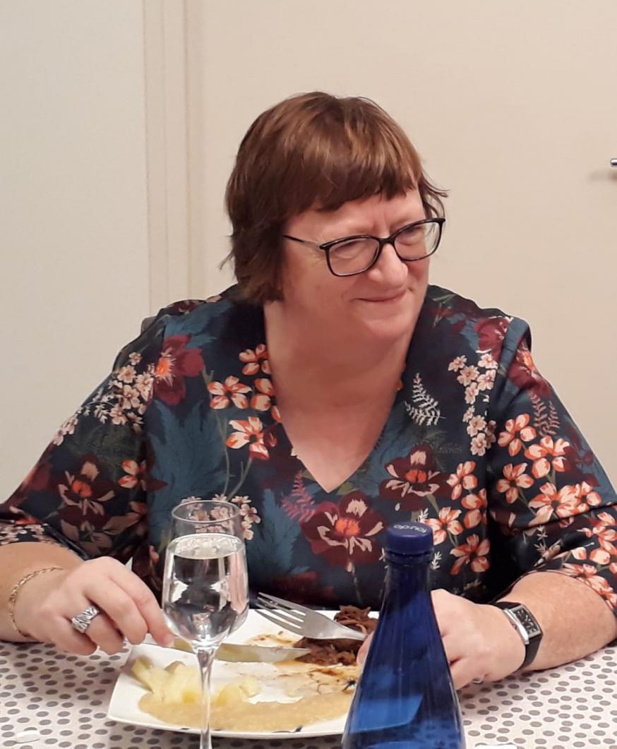 Martine Eggermont, levensgenieter en graag tussen de mensen.  © Kerk in Zwevegem / Team / Martine