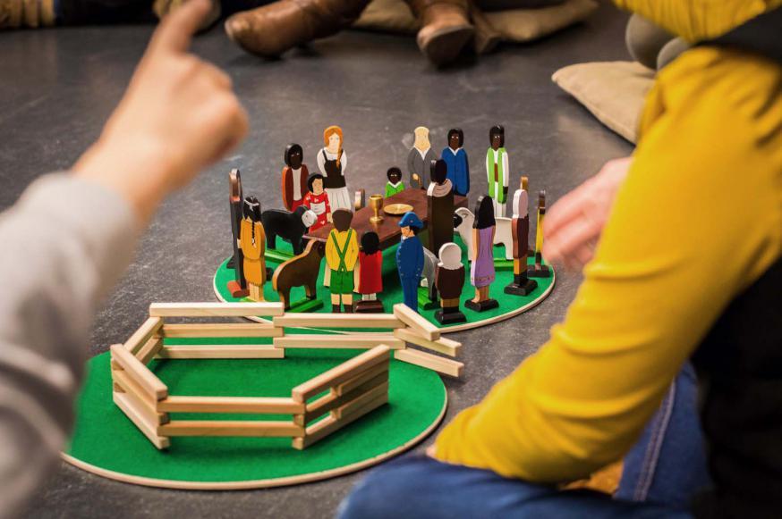 Godly Play - De Goede Herder en de wereldgemeenschap. © Karel Van de Voorde