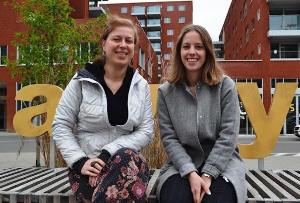 Twee leden van Violet: Aag Dereymaeker (links) en Laura Van Passel © Violet VZW